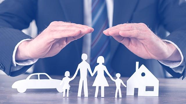 Застраховане, осигуряване и финанси