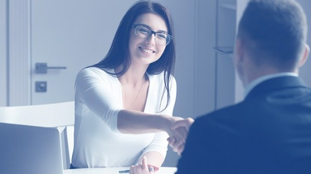Продажби, бизнес финанси и комуникация
