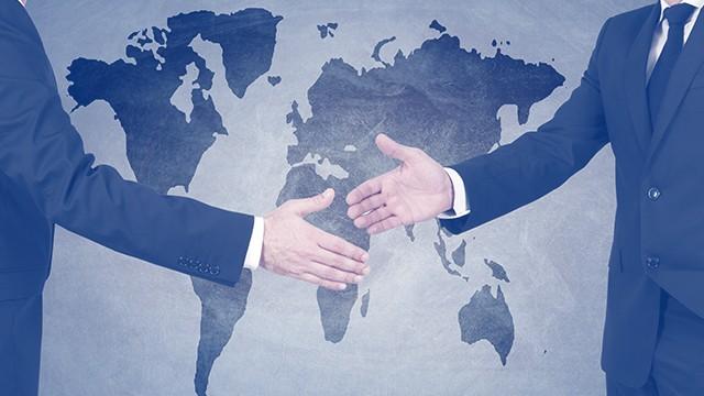 Международни отношения, глобална икономика и стратегически анализ
