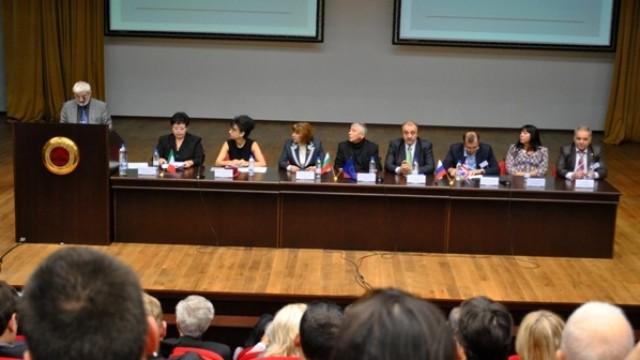 Силно участие на преподаватели от  ВУЗФ  на юбилейната конференция в  УНСС