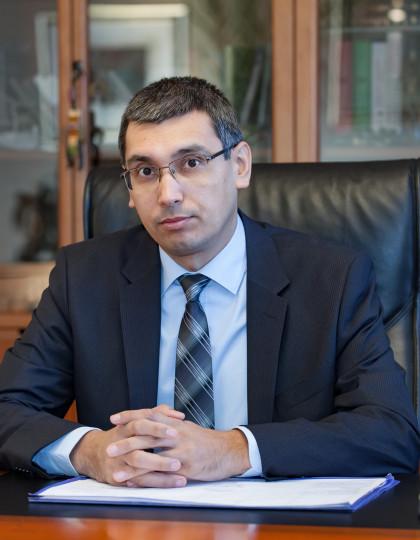 проф. д-р Али Вейсел