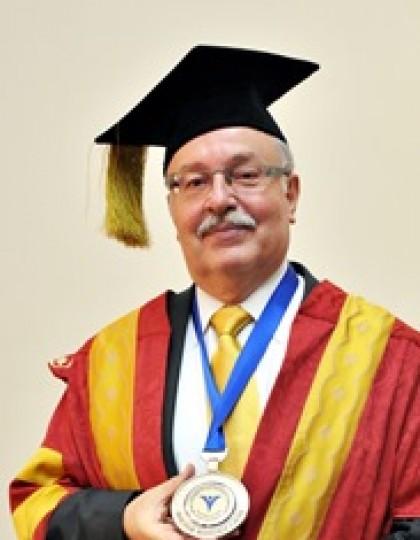 Д-р Фернандо Монтес-Негрет