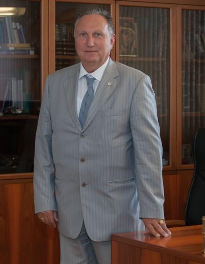 Prof. Dr. Roumen Trifonov