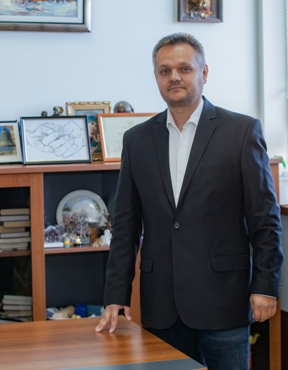 Assoc. prof. Yakim Kitanov